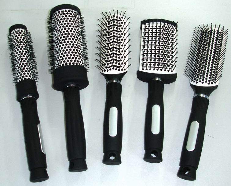 Hair brush information and gallery for Salon hair brushes